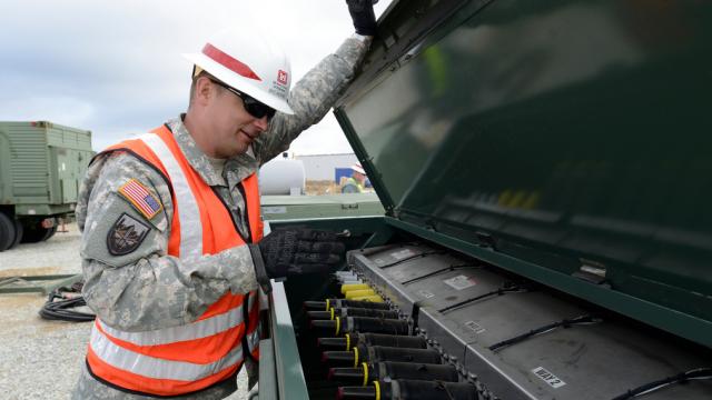 Imagini noi cu baza militara de la Deveselu. Soldatii americani testeaza sistemul electric si pun la punct ultimele detalii