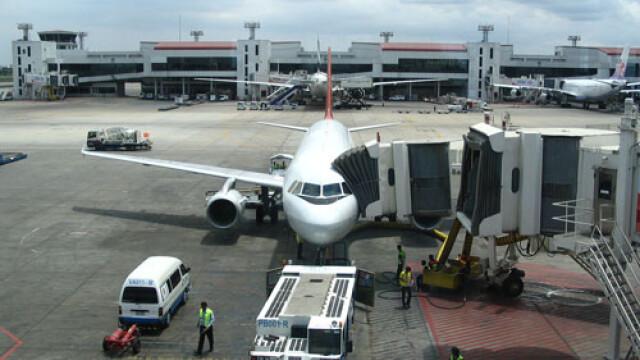 Mii de pasageri, blocati pe aeroportul din Manila. Ce s-a intamplat