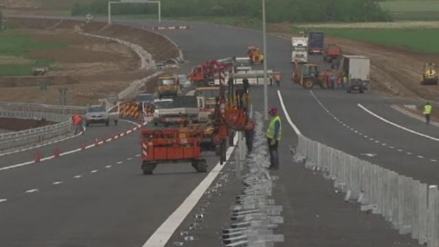 Autostrada Sibiu - Pitesti ar putea fi gata cu doi ani mai devreme. Anuntul facut de ministrul Transporturilor