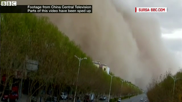 O furtuna de nisip a maturat o regiune din China, timp de 10 minute. Imaginile spectaculoase surprinse de localnici