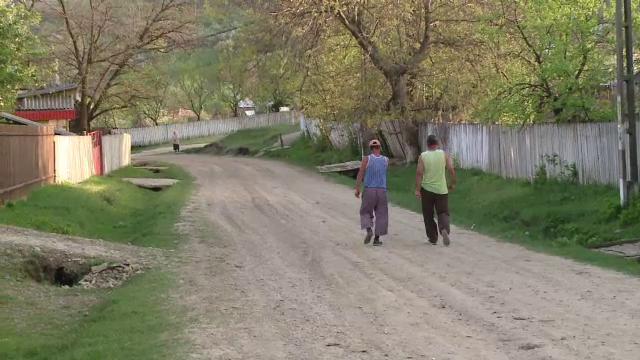Un barbat de 46 de ani, tata a 3 copii, ucis fara motiv de doi indivizi. Unul dintre criminali este recidivist