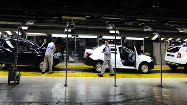 cover prima uzina Dacia