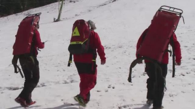 Salvamontiștii, mobilizați pentru salvarea unor copii blocați pe munte