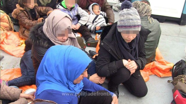 Acuzatii grave. Salvatorii din Marea Mediterana spun ca Europa ca ii lasa pe refugiati sirieni sa se inece - Imaginea 1