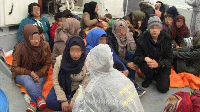 Acuzatii grave. Salvatorii din Marea Mediterana spun ca Europa ca ii lasa pe refugiati sirieni sa se inece - Imaginea 2