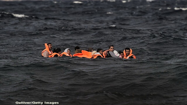 Acuzatii grave. Salvatorii din Marea Mediterana spun ca Europa ca ii lasa pe refugiati sirieni sa se inece - Imaginea 4