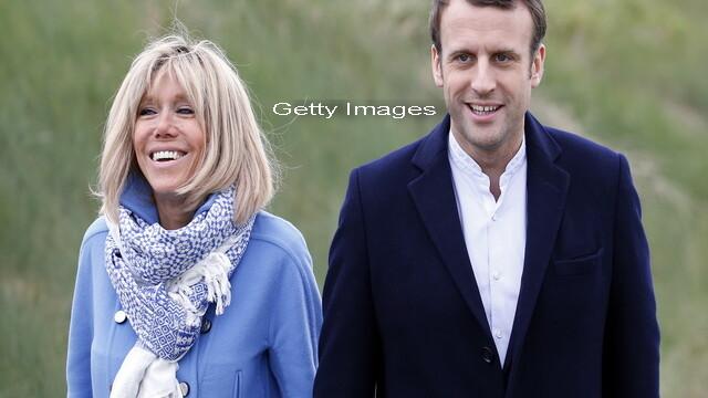 Elevul Macron filmat sarutandu-si profesoara, care i-a devenit ulterior sotie. Portretul posibilei viitoare prime doamne