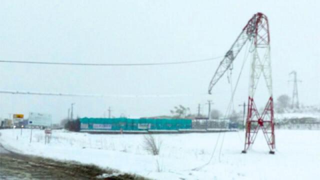 15 localitati din Vaslui, fara curent de mai mult de 72 de ore. Peste 540 de stalpi de electricitate, distrusi de viscol