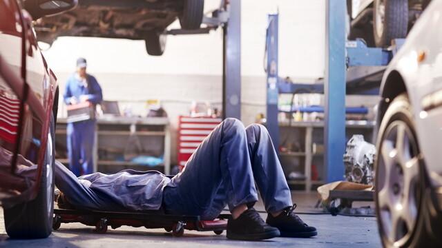 Inspectorii de la Registrul Auto Roman au descins la mai multe service-uri auto din tara. Neregulile descoperite