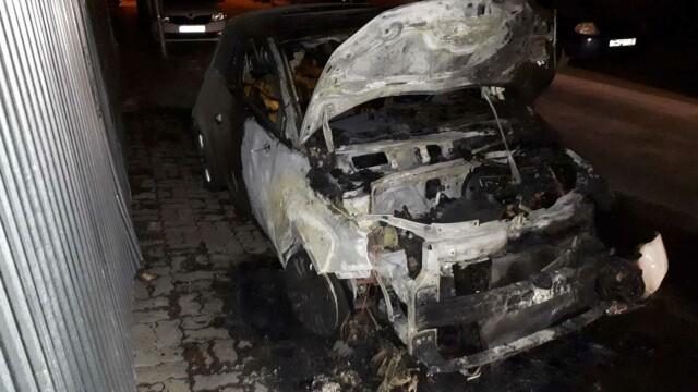Poliția, în alertă. Piromanul din București încă nu a fost prins