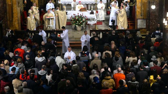 Slujbă de Paștele Catolic, la Catedrala Sfântul Iosif din Capitală