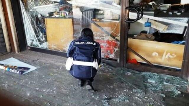 Atac cu bombă la un magazin românesc din Italia