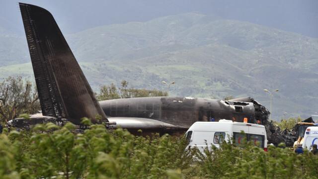 Un avion militar s-a prăbușit în Algeria. 257 de oameni au murit. VIDEO