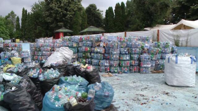 Românii, încurajați să recicleze printr-o taxă suplimentară. Cum își vor putea recupera banii