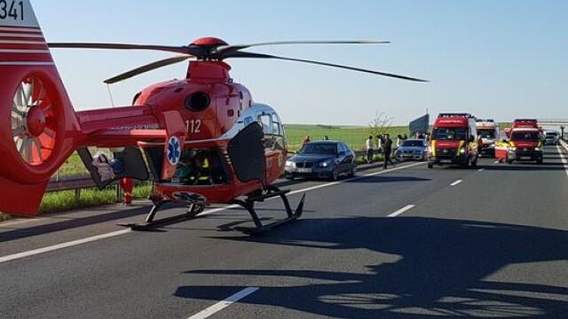 Coloană de 5 kilometri pe autostrada Timişoara-Arad, după un accident: un mort și 4 răniți