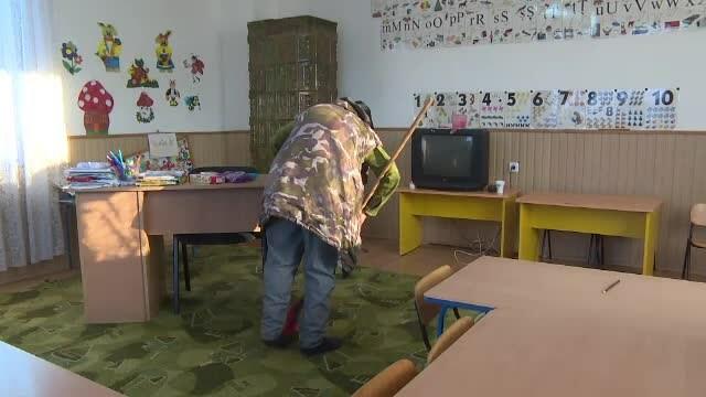Bătrâna concediată de la grădiniță va fi reangajată. Ce va păți directoarea instituției - Imaginea 5