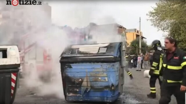 Scene violente la Roma. Neonaziștii au oprit zeci de romi să se mute într-un centru din oraș - Imaginea 3
