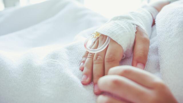 Un copil a ajuns la spital, după ce a stat 6 ore în fața calculatorului