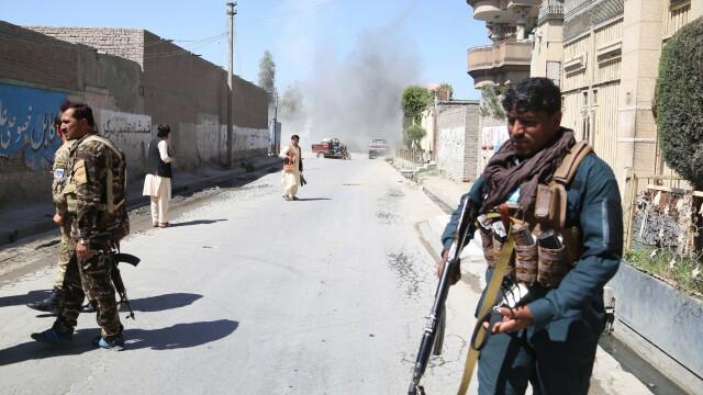 Explozii puternice în Afganistan. Sunt mai mulți morţi şi răniţi. GALERIE FOTO - Imaginea 2