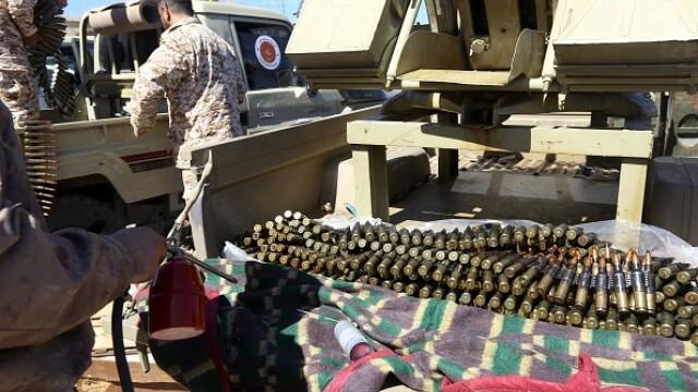 La un pas de un nou război civil. Aeroportul din Tripoli, bombardat. Reacția SUA și a Rusiei - Imaginea 2