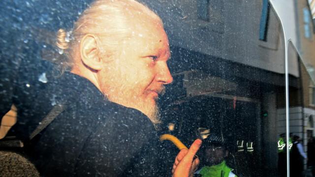"""Reacția lui Julian Assange, acuzat că ar fi murdărit pereţii ambasadei cu """"excremente"""" - Imaginea 3"""