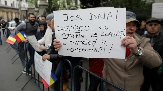 Procesul lui Liviu Dragnea. Instanța a decis amânarea judecării pentru 20 mai - Imaginea 15