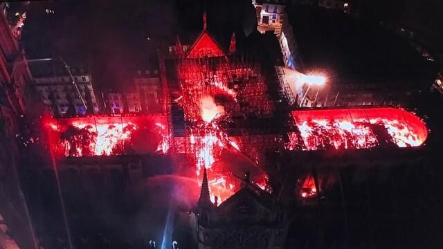 Incendiul de la Notre Dame. Emmanuel Macron promite reconstruirea catedralei în 5 ani - Imaginea 5