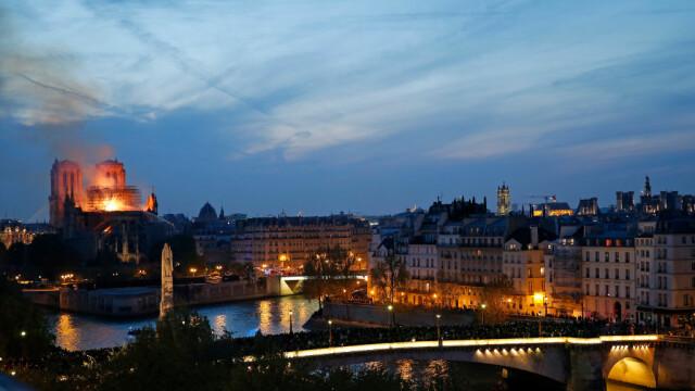 Stare de şoc în Franța după dezastrul de la Notre-Dame. Miliardarii care şi-au anunţat donaţiile