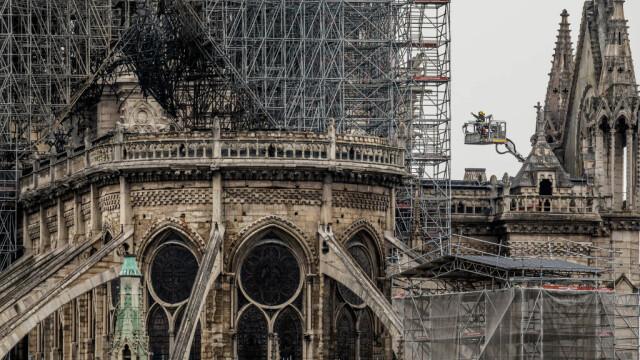 Incendiul de la Notre Dame. Emmanuel Macron promite reconstruirea catedralei în 5 ani - Imaginea 21