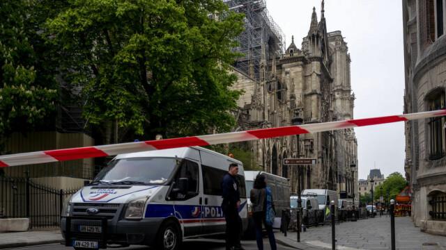Incendiul de la Notre Dame. Emmanuel Macron promite reconstruirea catedralei în 5 ani - Imaginea 20