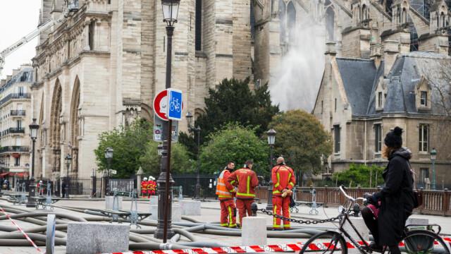 Incendiul de la Notre Dame. Emmanuel Macron promite reconstruirea catedralei în 5 ani - Imaginea 19