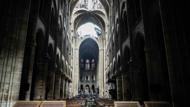 Incendiul de la Notre Dame. Emmanuel Macron promite reconstruirea catedralei în 5 ani - Imaginea 27