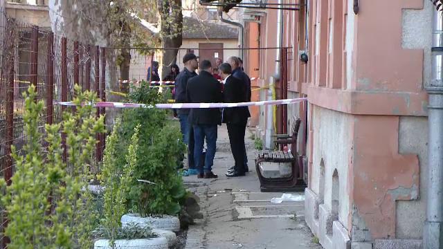Tânără înjunghiată mortal de fostul iubit. Bărbatul a fost prins după 15 ore