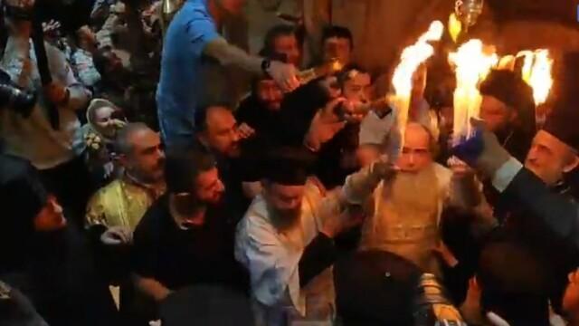 Lumina Sfântă s-a aprins la Ierusalim. Momentul, transmis Live pe Facebook. VIDEO - Imaginea 4