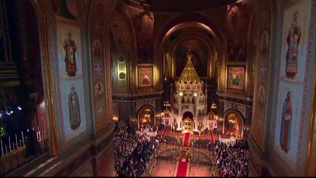 Vladimir Putin, la slujba de Înviere în impresionanta catedrală din Moscova - Imaginea 2