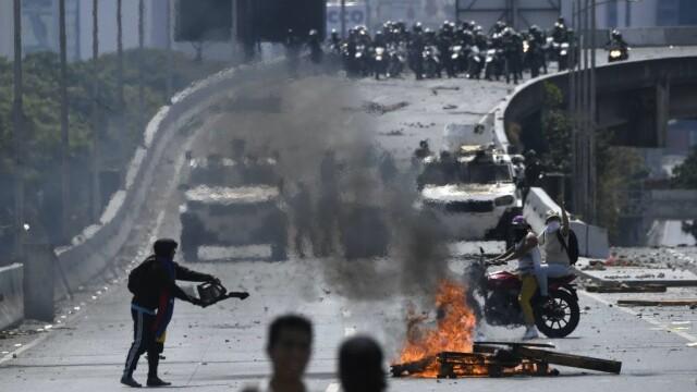 Colonel venezuelean, susținător al lui Maduro, împușcat în gât. Anunțul președintelui - Imaginea 12