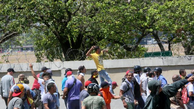Colonel venezuelean, susținător al lui Maduro, împușcat în gât. Anunțul președintelui - Imaginea 11