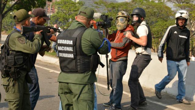 Colonel venezuelean, susținător al lui Maduro, împușcat în gât. Anunțul președintelui - Imaginea 7
