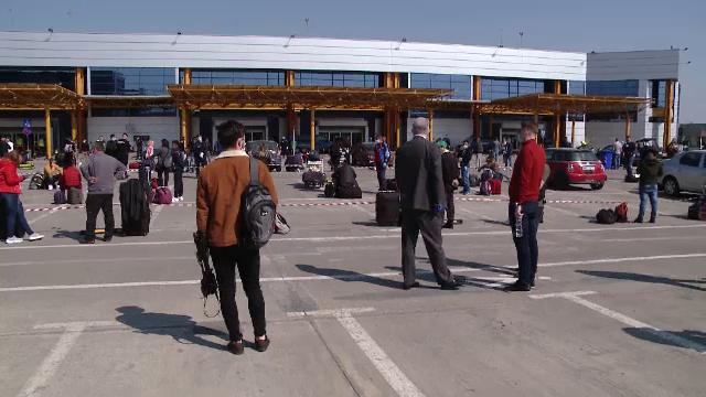 """Mii de români pleacă să lucreze în Germania și Spania: """"Nu știu ce boală tot aud că vine"""""""