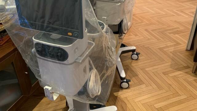 """2 ventilatoare ultra-performante, vitale pentru pacienții cu coronavirus, donate spitalelor prin """"Donează pentru linia întâi"""" - Imaginea 1"""