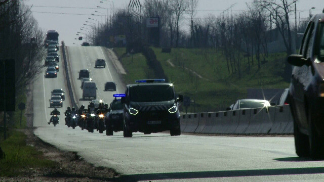 Protest cu sute de maşini pe drumurile din Moldova, pentru urgentarea construirii de autostrăzi. GALERIE FOTO - 2