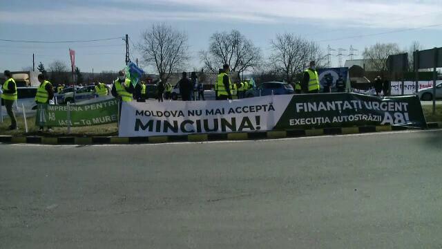 Protest cu sute de maşini pe drumurile din Moldova, pentru urgentarea construirii de autostrăzi. GALERIE FOTO - 5