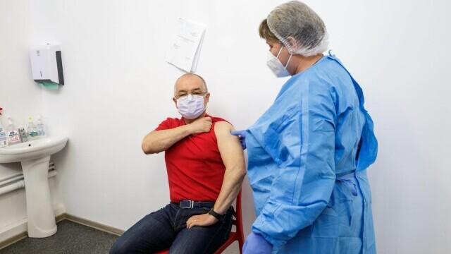 Emil Boc, vaccin