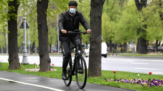 Klaus Iohannis, bicicleta - 1