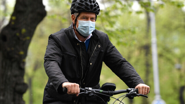 Klaus Iohannis, bicicleta - 3