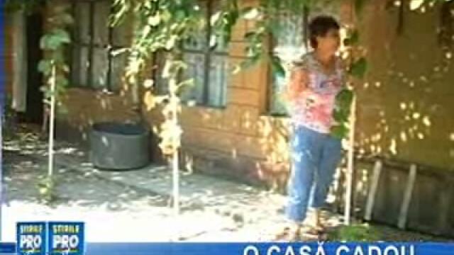 O femeie oferă o casă cadou sinistraţilor