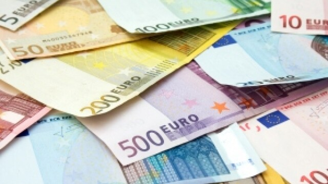 Vezi cum a furat directoarea de credite banii clientilor din Brasov
