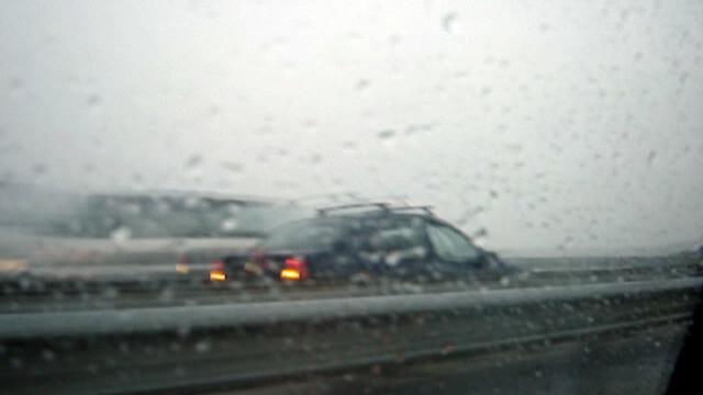 Singur impotriva tuturor! Pe contrasens, pe Autostrada Bucuresti-Pitesti! - Imaginea 4