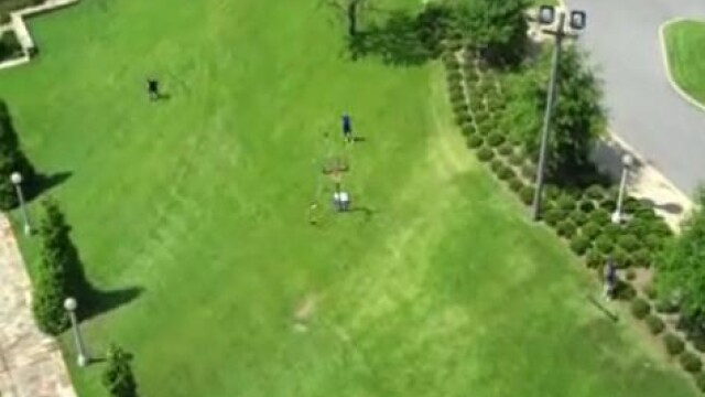 VIDEO! Iata de la ce distanta a dat un cos aproape imposibil! E fake?