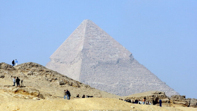 Piramidele din Giza